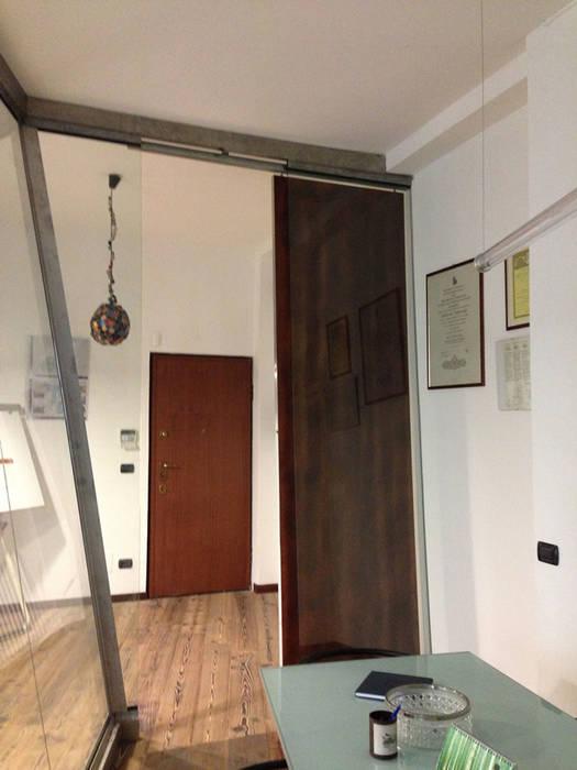 studio di architettura : Studio in stile in stile Moderno di studio architettura terzaghi