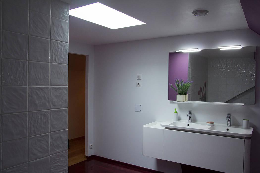 salle d ebain : Salle de bains de style  par Batbau'bio