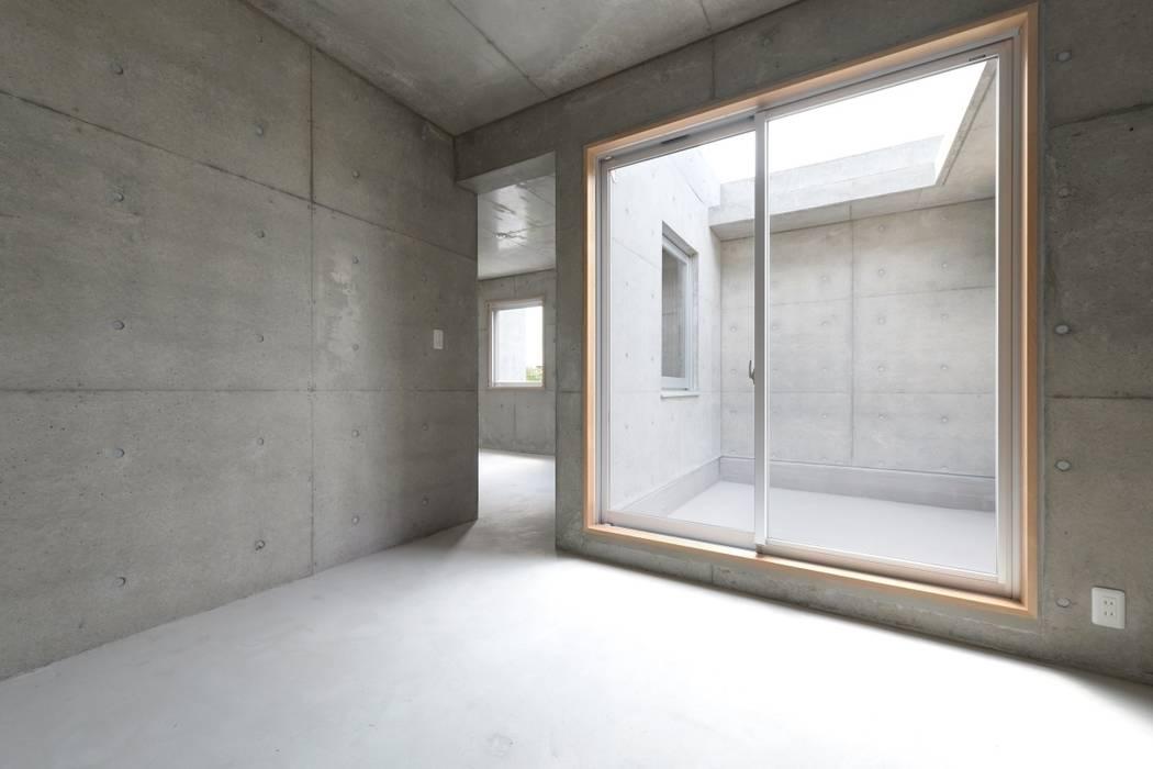 市原忍建築設計事務所 / Shinobu Ichihara Architects Modern balcony, veranda & terrace