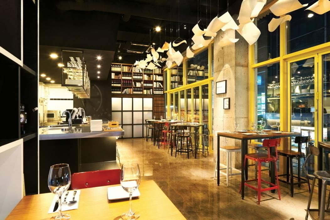 나만의 순간을 표현한 공간: Design m4의  레스토랑
