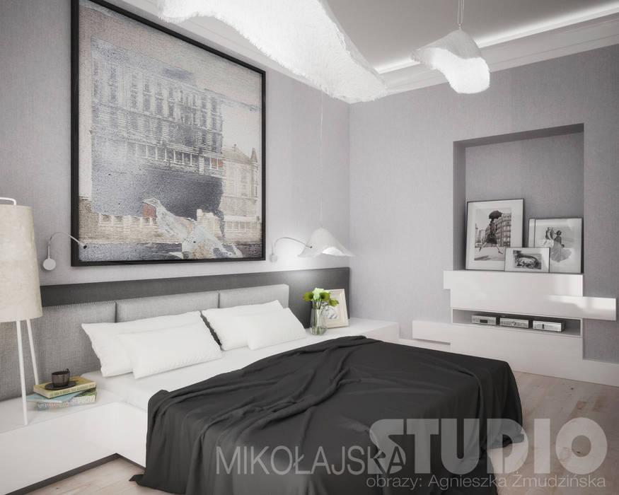 Dormitorios de estilo moderno de MIKOŁAJSKAstudio Moderno
