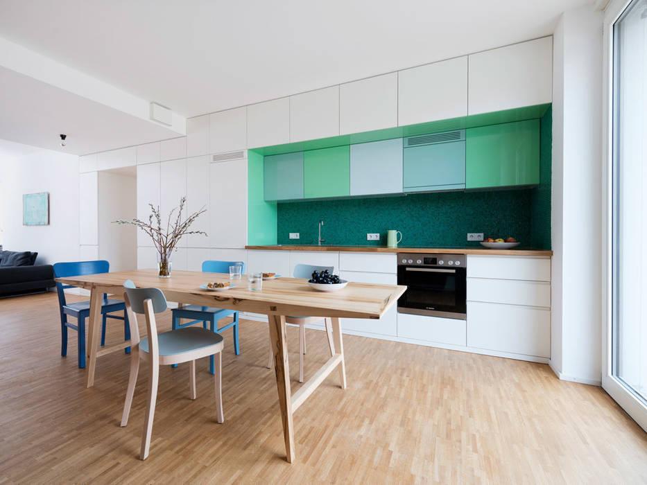 Wohnung B Moderne Küchen von IFUB* Modern