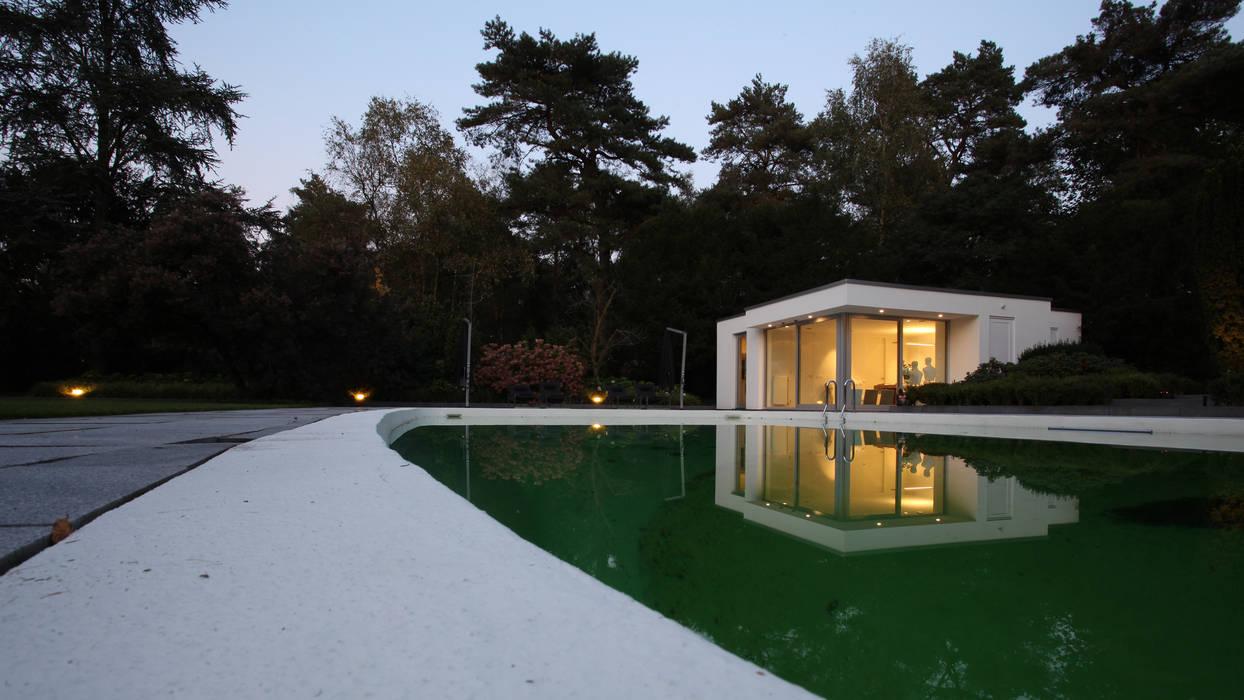 Piscinas de estilo  por Lab32 architecten,