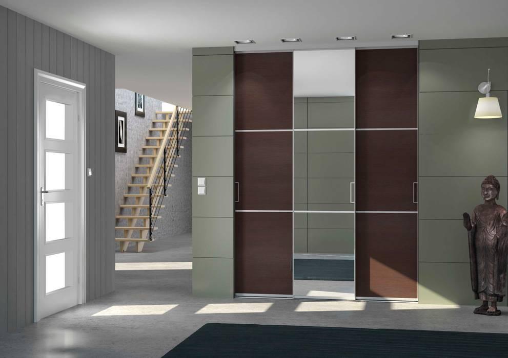 Portes de Placard coulissantes sur-mesure 3 partition avec miroir - Mélèze Brun: Fenêtres de style  par Centimetre.com