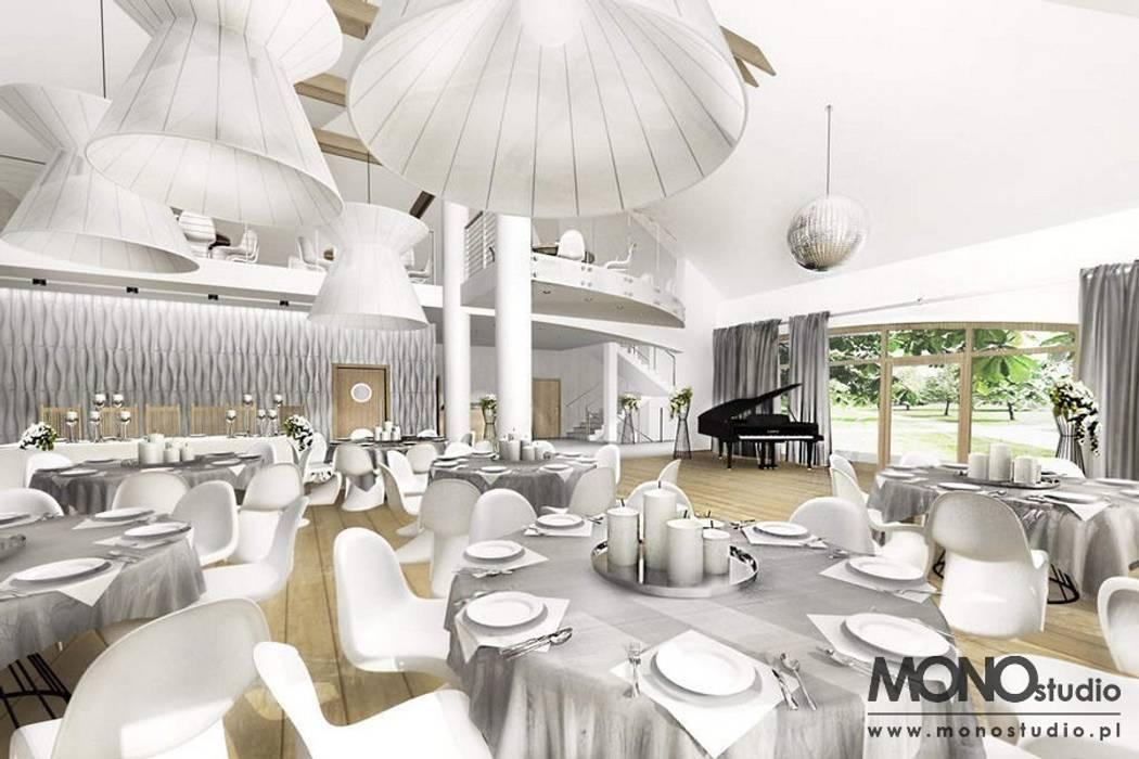 Ekskluzywna, nowoczesna aranżacja restauracji od MONOstudio Nowoczesny