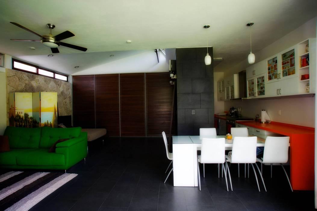 Sala, Comedor y Cocina Comedores de estilo moderno de sanzpont [arquitectura] Moderno