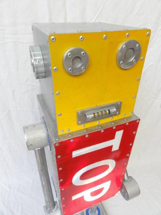 ROBOT TOP: Salon de style  par CYRILLE PLATE