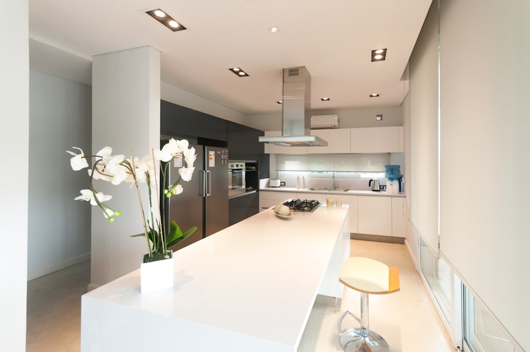 Кухня в стиле модерн от Estudio Arqt Модерн