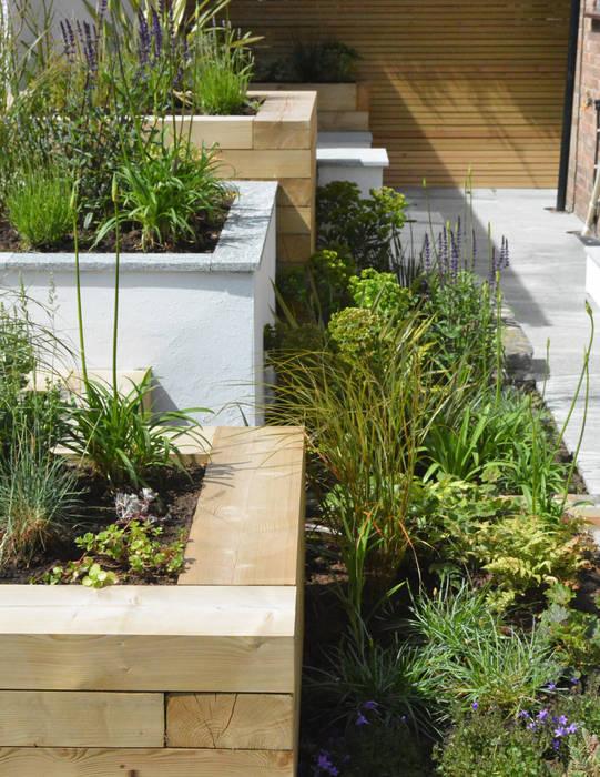 A Small Contemporary Front Garden Garden By Robert Hughes Garden