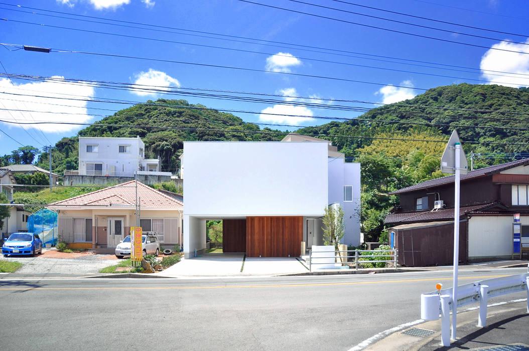 Moderne Häuser von 株式会社アトリエカレラ Modern