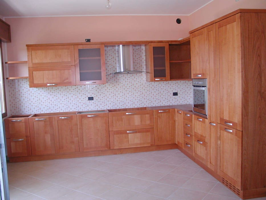 Cucina in ciliegio CORDEL s.r.l. CucinaContenitori & Dispense