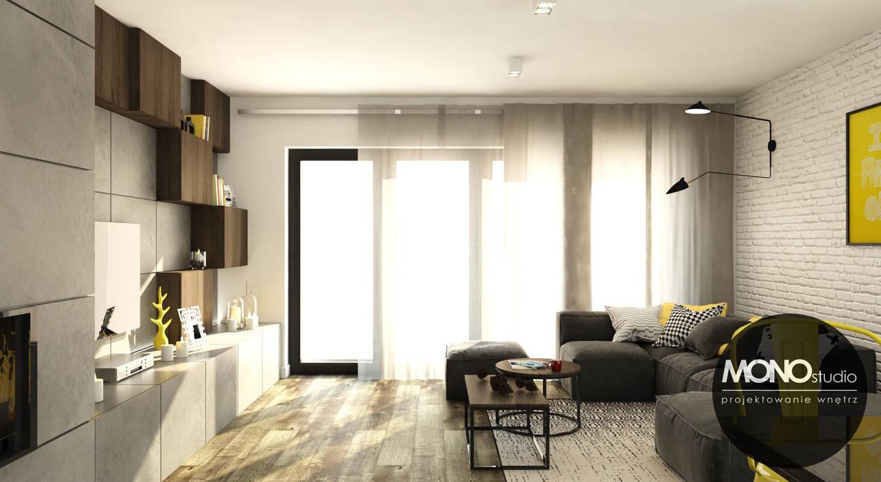 Surowe materiały z akcentem koloru i drewna: styl , w kategorii Salon zaprojektowany przez MONOstudio