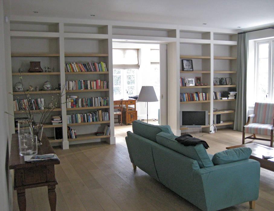 zicht op werkkamer:  Studeerkamer/kantoor door Snellen Architectenbureau