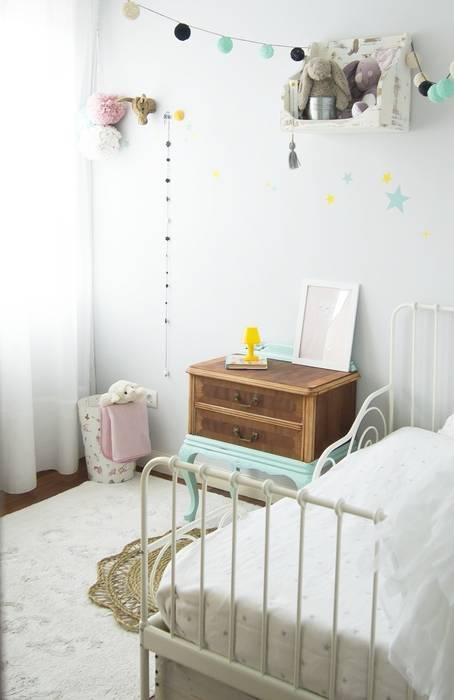 Decoración para la habitación infantil: Habitaciones infantiles de estilo  de Tu Cajon Vintage Shop,