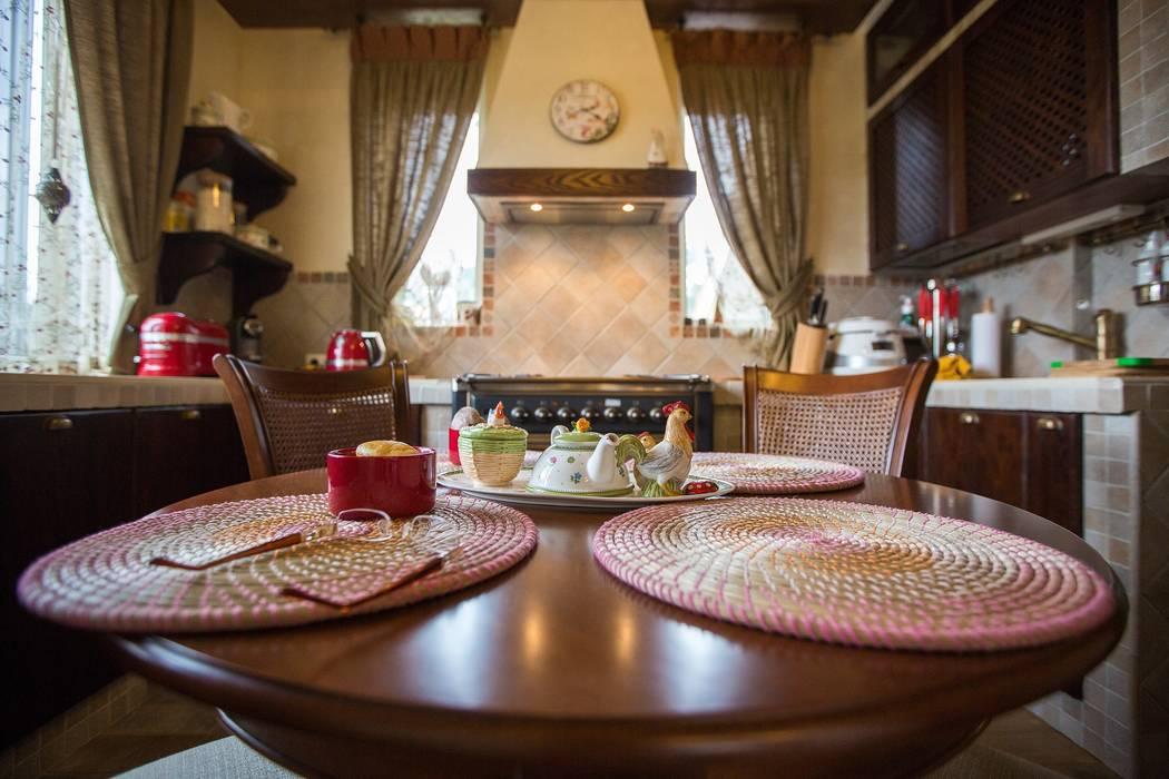 Студия интерьерного декора PROSTRANSTVO U: kırsal tarz tarz Mutfak