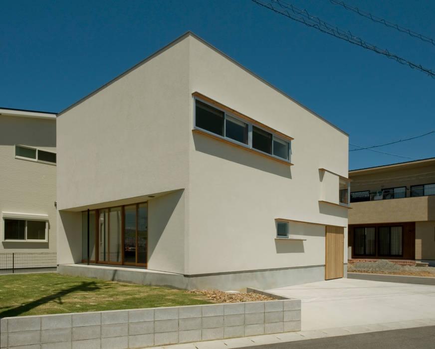 Casas de estilo  de 浦瀬建築設計事務所, Moderno