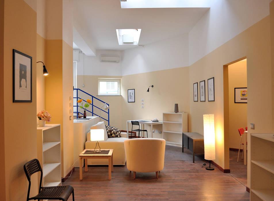 Valtorta srl Modern corridor, hallway & stairs