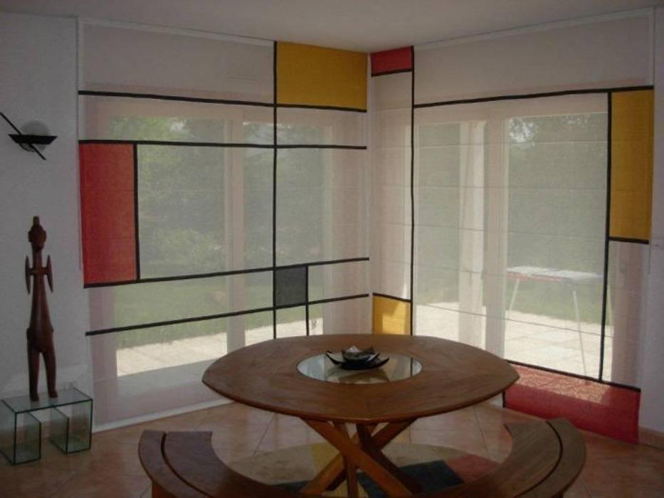 """stores bateau dans l esprit """" Mondrian"""": Salon de style de style eclectique par Van Brabandt Design textile"""