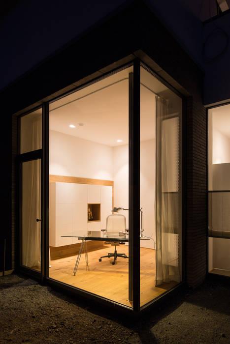 Arbeitszimmer:  Ankleidezimmer von schulz.rooms,Modern