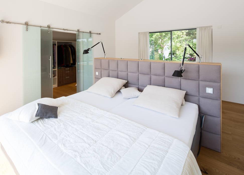 Спальни в . Автор – schulz.rooms, Модерн