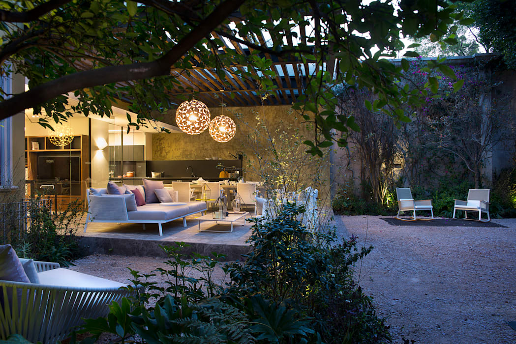 Jardines de estilo moderno de Vieyra Arquitectos Moderno