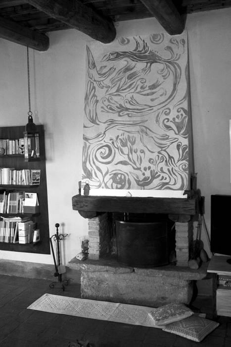 Camino dipinto: Soggiorno in stile in stile Rustico di ELISA POSSENTI ART