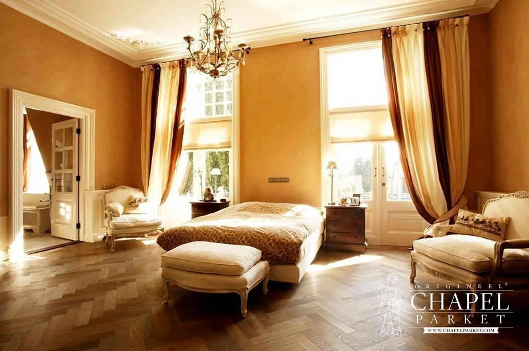 Dębowa podłoga Chapel Parket, kolor Wieczny przyciemniany: styl , w kategorii Sypialnia zaprojektowany przez Chapel Parket Polska