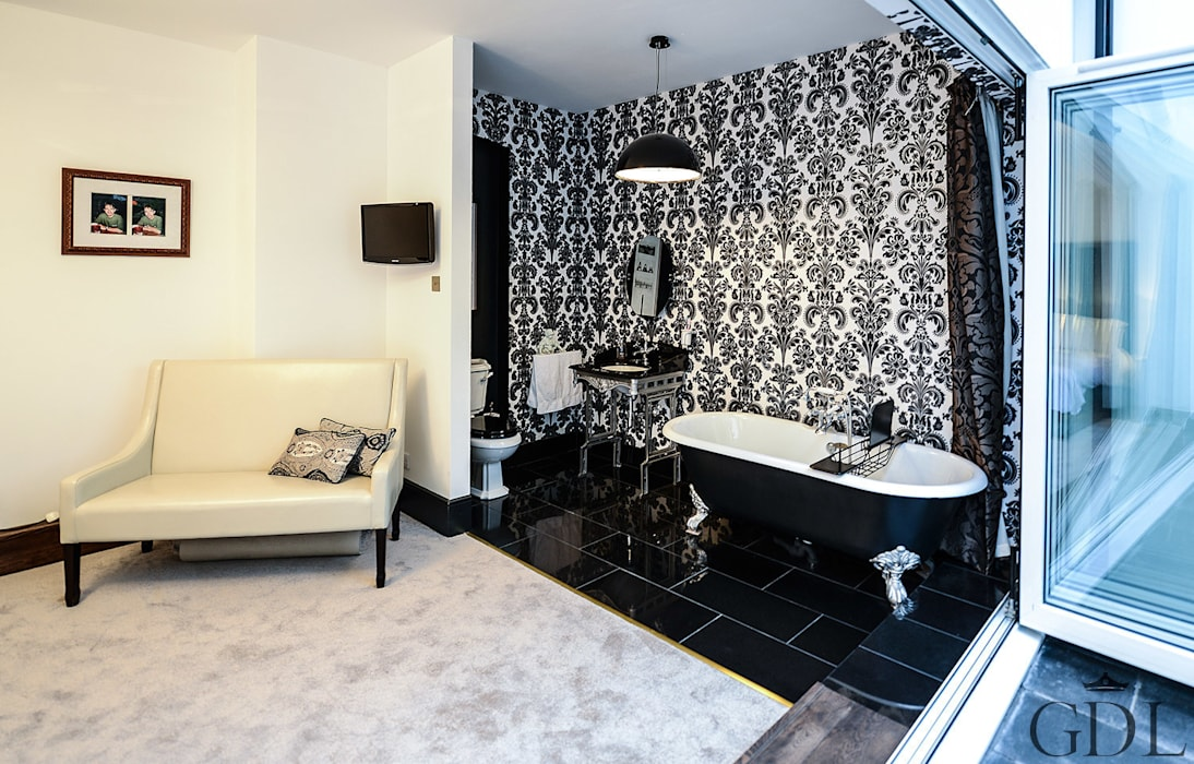 The Broadway, SW19 - Extension & Bathroom Renovation:  Bathroom by Grand Design London Ltd
