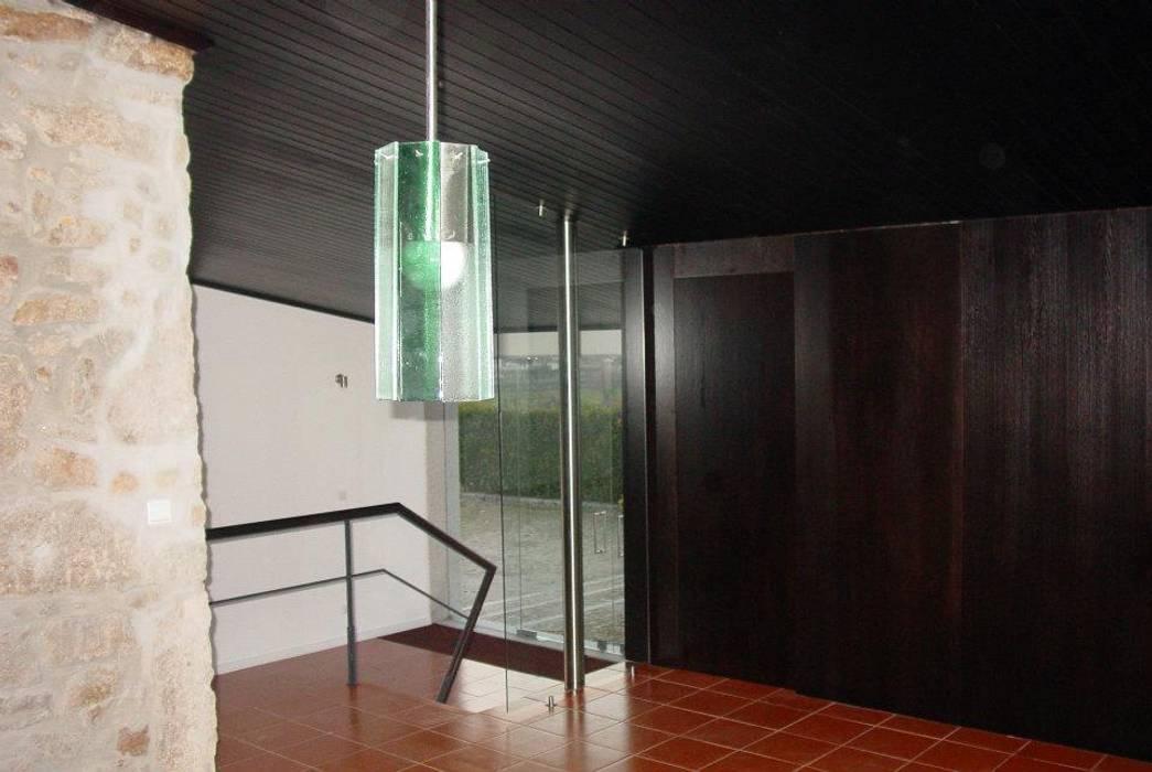 Quinta da Mouta, Manhente, Barcelos: Casas  por Alberto Craveiro, Arquitecto,