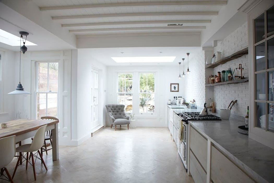 Rear Extension Oakman Кухня в стиле модерн