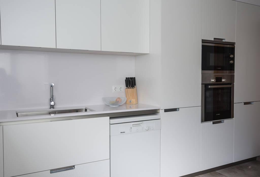 Cocinas de estilo  por COCINAS SANTOS, Moderno