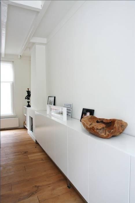 Woonkamer:  Woonkamer door ontwerpplek, interieurarchitectuur