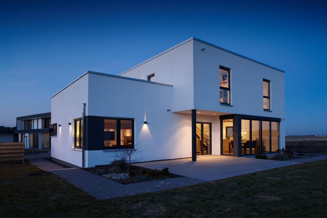 Дома на одну семью в . Автор – FingerHaus GmbH - Bauunternehmen in Frankenberg (Eder), Модерн
