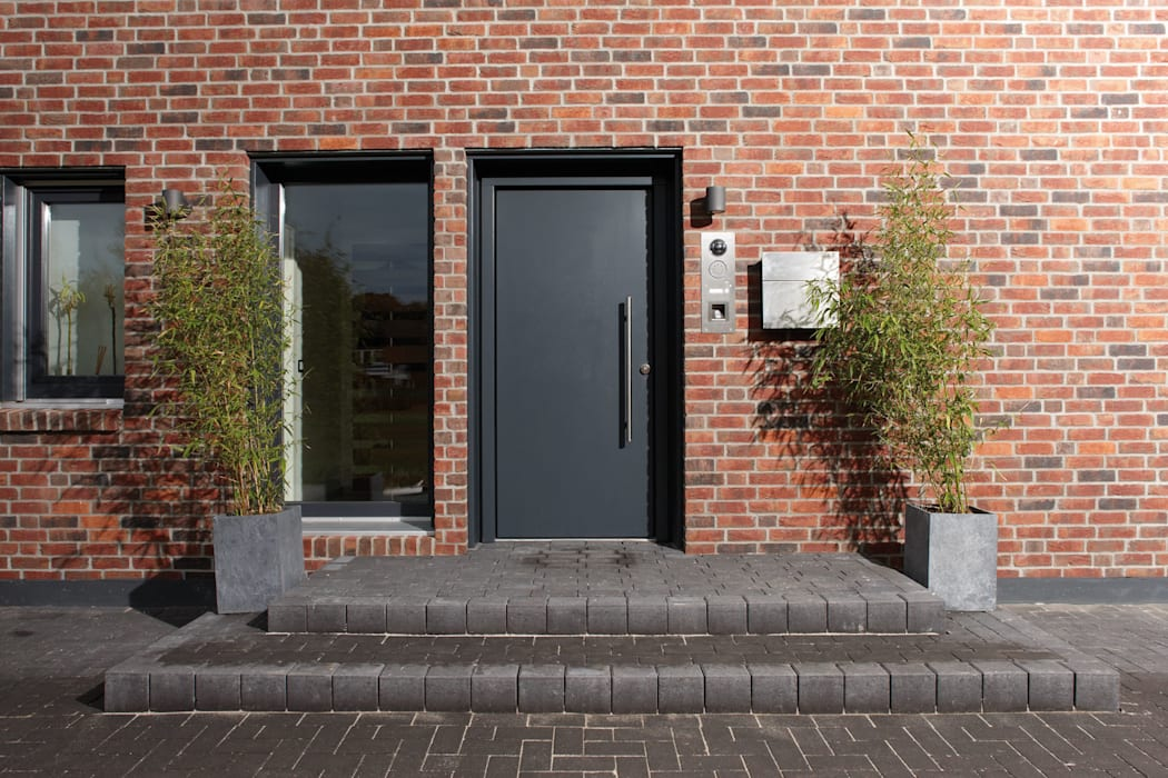 Portas de entrada  por FingerHaus GmbH - Bauunternehmen in Frankenberg (Eder)