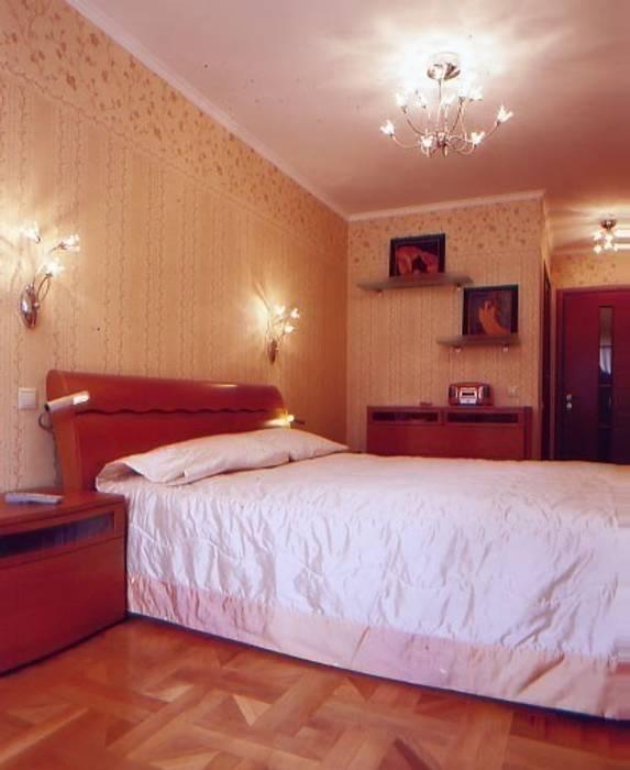 спальня с гардеробной зоной при входе: Спальни в . Автор – Территория Дизайна