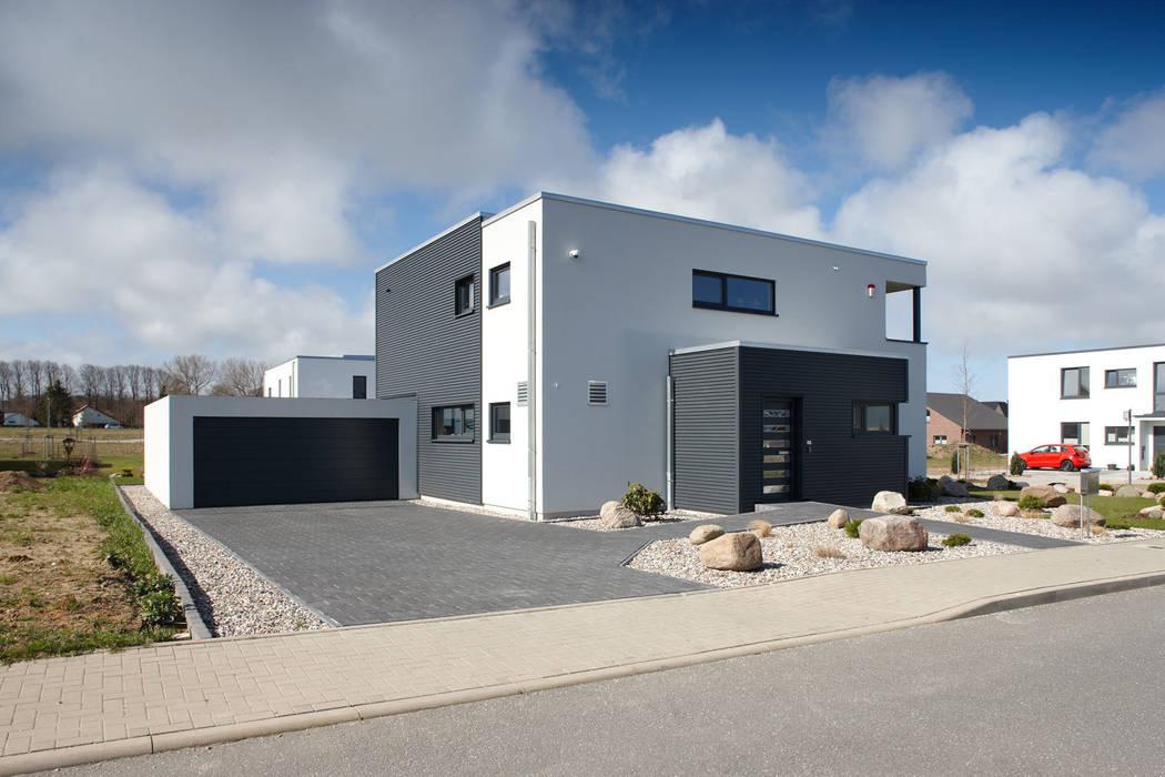ARCHITEKTUR TREND - Holzelemente an der Fassade verströmen einen einladenden Charakter von FingerHaus GmbH - Bauunternehmen in Frankenberg (Eder) Modern