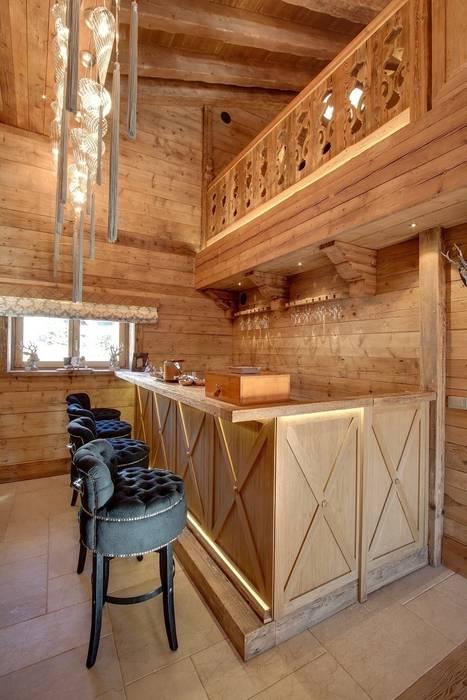 Chalet Excelsior w Crans Montana w Szwajcarii Rustykalna łazienka od Bosc Vej s.r.l. Rustykalny