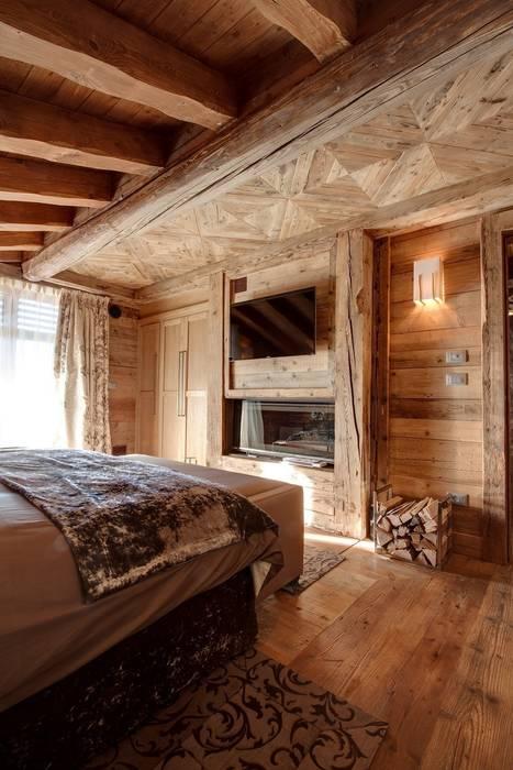 Chalet Excelsior w Crans Montana w Szwajcarii Rustykalna sypialnia od Bosc Vej s.r.l. Rustykalny