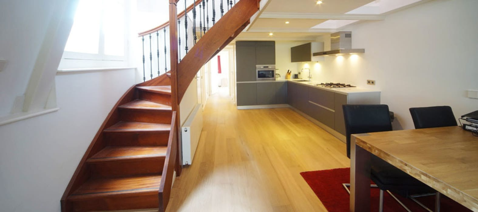 trap in de vide Moderne keukens van BALD architecture Modern
