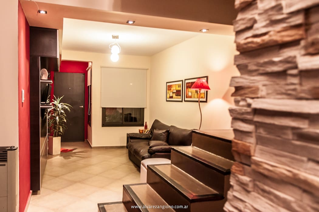 Estar integrado al resto de la casa: Livings de estilo moderno por Estudio Alvarez Angiono