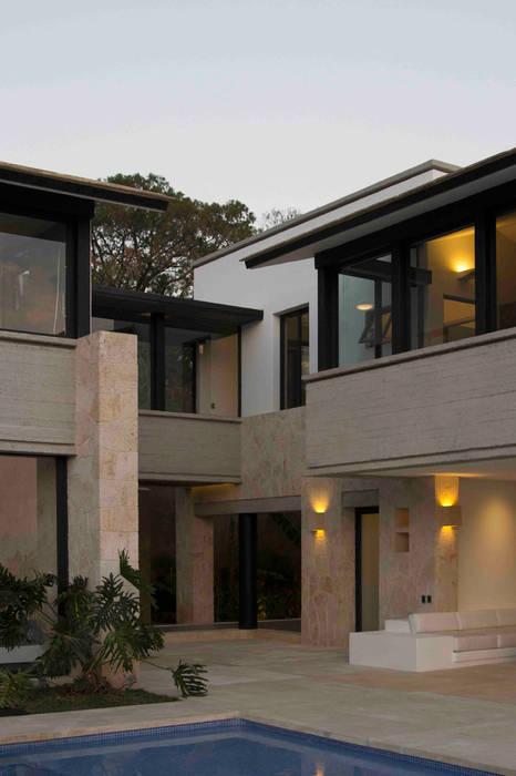 บ้านและที่อยู่อาศัย โดย Boué Arquitectos, โมเดิร์น