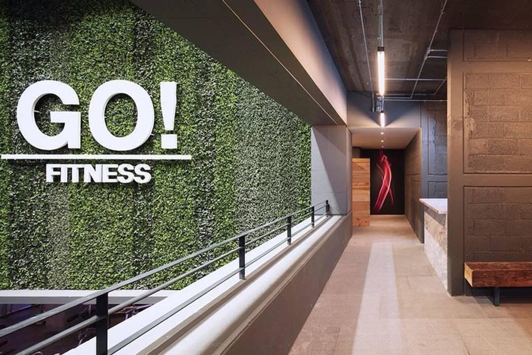 Go Fitness: Oficinas y tiendas de estilo  por GreenSmart, Moderno