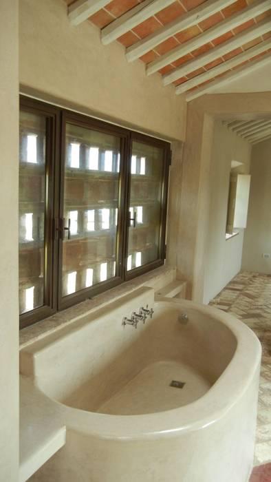 Tadelakt di marrakech-sala da bagno color tortora – pian di ...