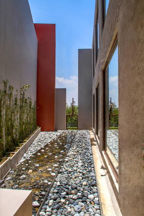 Casa 4 Puntos / Club de Golf BR Balcones y terrazas modernos de Maz Arquitectos Moderno