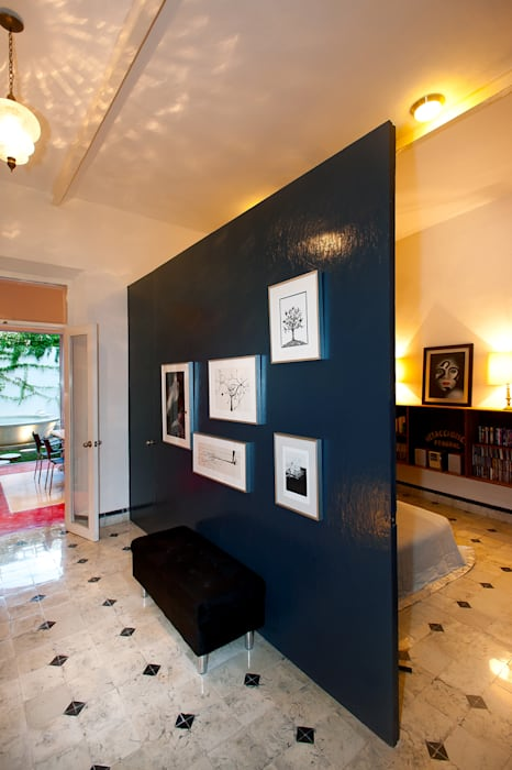 Modern Corridor, Hallway and Staircase by Taller Estilo Arquitectura Modern