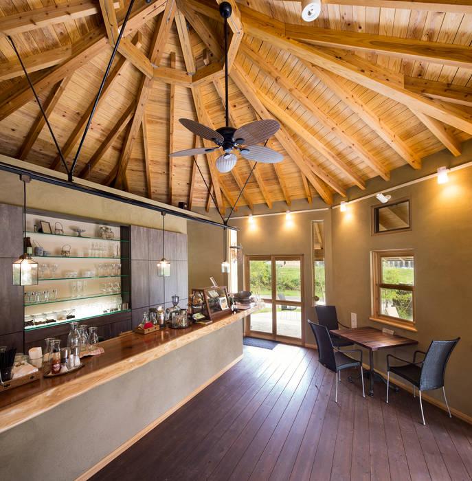 ひなた茶屋~雑木林の小さなカフェ~: 志賀建築設計室が手掛けたキッチンです。