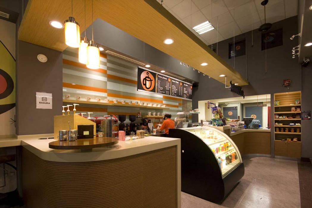Snack Recesso Espacios comerciales de estilo moderno de Vulca Studio Moderno Compuestos de madera y plástico