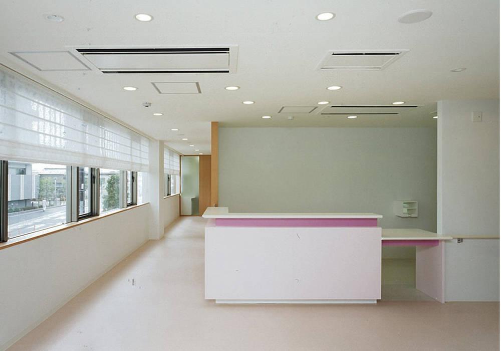 醫院 by 堀内総合計画事務所, 隨意取材風