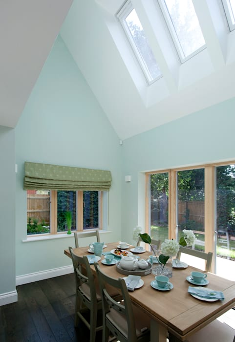 Lime Grove : modern Dining room by Lee Evans Partnership