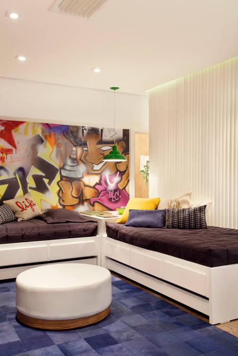 Quarto dos Gêmeos: Lojas e imóveis comerciais  por Ana Adriano Design de Interiores,